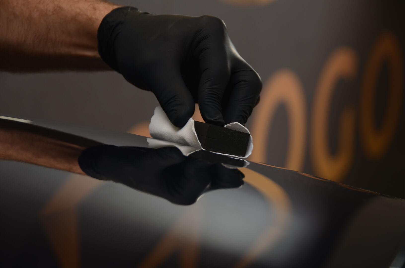Zabezpieczenie lakieru quik detailerem, woskiem lub powłoką ceramiczną/ powłoką kwarcową.