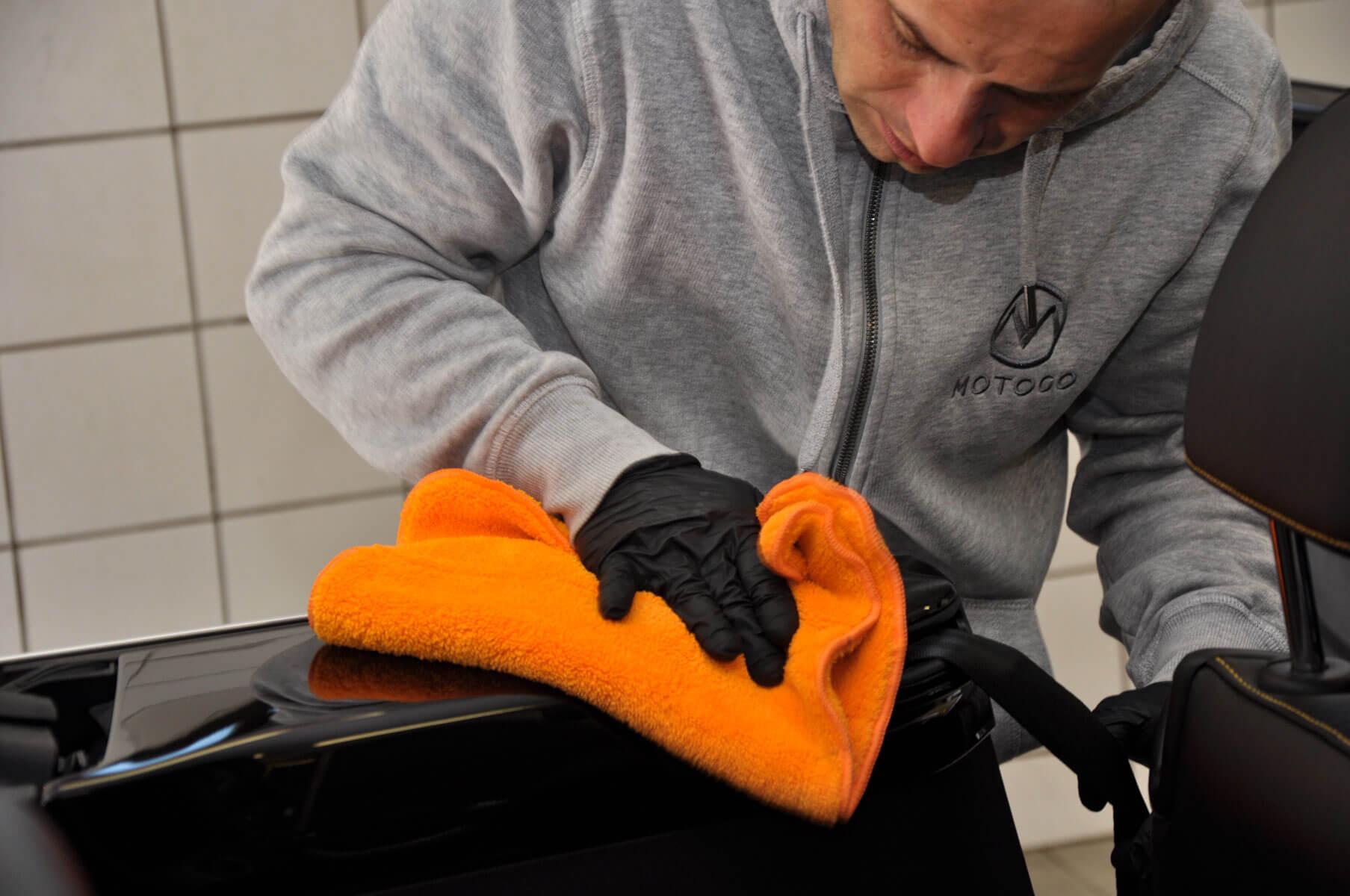 APC czy Interior Cleaner? Co wybrać do czyszczenia wnętrza?