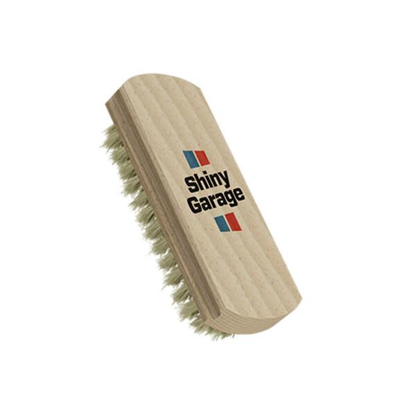 Shiny Garage Leather Brush